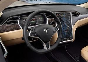 До сотни за 4,4 секунды. В Европе продали первый электрический суперкар Tesla