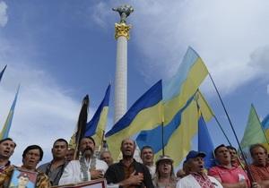 Утро после разгона. На Майдане собрались около 30 протестующих