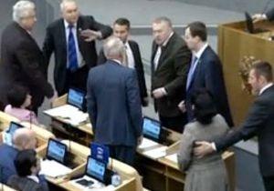 Перепалка в Госдуме: ЕР не будет жаловаться на Жириновского в комиссию по этике