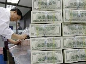 Торги на межбанке открылись в диапазоне 7,60-7,64 гривны за доллар