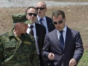 Медведев сообщил об успешном запуске стратегической ракеты с подводной лодки