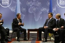 Янукович встретился с Генсеком ООН