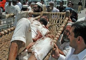 В  Пакистане взорвался автомобиль: десять погибших