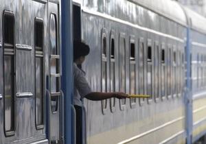 В Сумской области из-за ДТП на переезде образовалась пробка из поездов