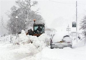 Британию накрыли сильные снегопады: около 30 тысяч домов остались без света