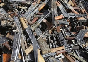 Спецоперация в Таджикистане: Боевики добровольно сдали более 200 единиц оружия