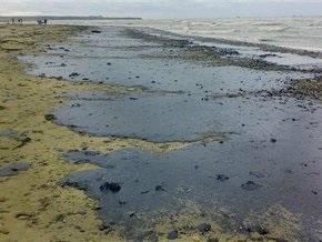 В Керченском проливе обнаружено нефтяное пятно