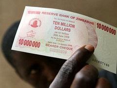 В Зимбабве инфляция достигла 231000000 процентов
