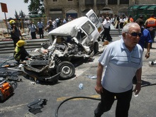 Теракт в Иерусалиме: палестинец наехал бульдозером на пассажирский автобус