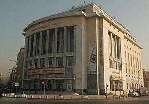 Греческий театр предложил зрителям приходить на спектакли с едой