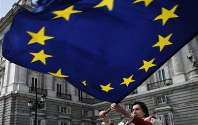 С 1 января между Украиной и ЕС упростится визовый режим