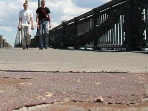 В 2010 году в Киеве проведут капремонт Пешеходного моста