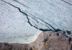 От Гренландии откололся гигантский ледяной айсберг