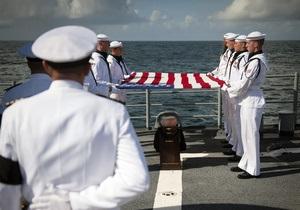 Нила Армстронга похоронили в Атлантическом океане