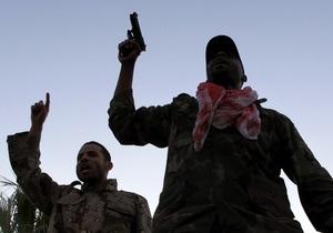 В Триполи слышны взрывы и стрельба