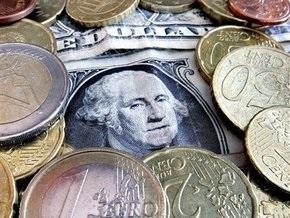 Торги на межбанке: евро и доллар вновь рекордно выросли