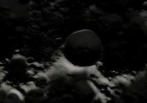Американский спутник обнаружил на Луне лед