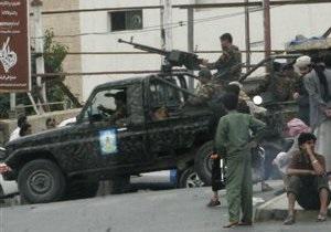 Верные сыну экс-президента Йемена военные обстреляли здание Минобороны