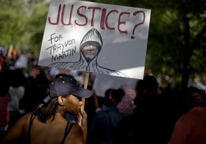 Убийство подростка: После вердикта суда присяжных в Лос-Анджелесе не утихают протесты