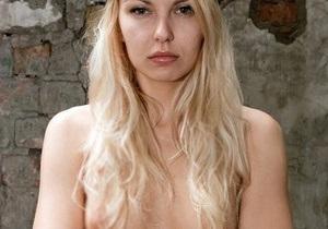 Активистка FEMEN пыталась прорваться на заседание правительства
