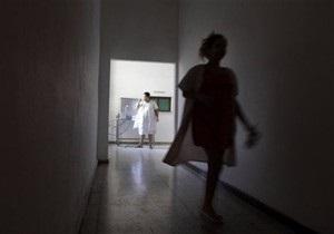 В России более 10 воспитанников интерната перерезали себе вены