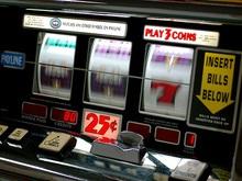В Донецке женщине перерезали горло в зале игровых автоматов