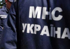 Машина провалилась под землю - Новости Киева - В Киеве машина провалилась под землю, девять зданий остались без воды