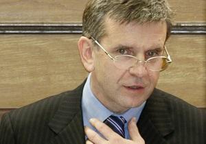 Посол России посетил штабы Януковича и Тимошенко