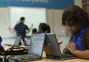 Исследование: Люди переносят издевательства в интернете хуже, чем при личном контакте