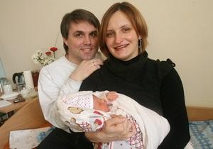 Корреспондент: Папки-повитухи. За последние несколько лет в рождении детей в Украине произошла революция