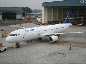 Пассажирский самолет совершил аварийную посадку в Алма-Ате