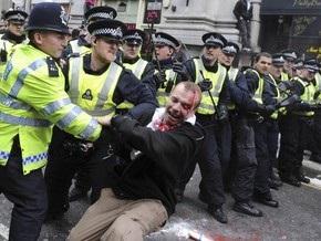 Во время беспорядков в Лондоне погиб демонстрант