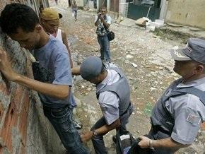 В Бразилии 70 зеков сбежали из тюрьмы через центральный вход