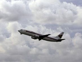 Самолет президента Перу совершил вынужденную посадку из-за трещины в стекле