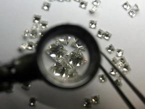 Бориспольские таможенники изъяли незадекларированный бриллиант