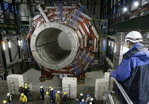 Адронный коллайдер возобновил работу после каникул