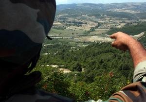 Сирийские вертолеты обстреляли населенный пункт в Ливане