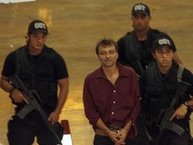 Бразилия отказалась экстрадировать в Италию левого экстремиста. Рим отзывает посла