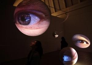 Ученые создали протез сетчатки глаза, не требующий источника питания