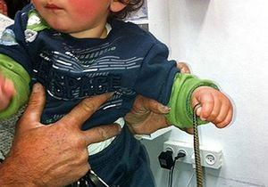 В Израиле ребенок спасся, откусив змее голову