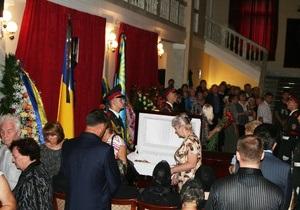 Янукович простился с Джарты
