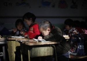 В Китае обрушилась 30-метровая стена школы: погибли учителя и школьники