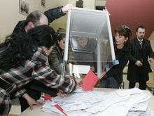 Саакашвили на месяц перенес довыборы в парламент Грузии