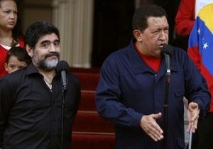 Чавес заявил, что Венесуэла разрывает дипломатические отношения с Колумбией