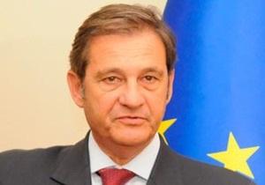 ЕС не станет подписывать соглашение об ассоциации, если в Украине ситуация с демократией не улучшится, - Тейшейра