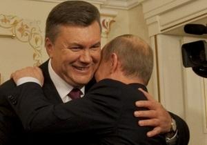 Тягнибок считает, что Янукович отправился в Москву из-за неуверенности перед выборами
