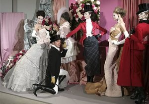 Джон Гальяно привел в восхищение мир моды в Париже