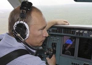 Путин обескуражил участников Селигера появлением на самолете-амфибии