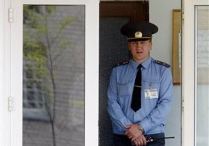 Беларусь усилила охрану посольства России в Минске