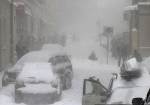 На западе Украины часть населенных пунктов остаются заблокированы снегами